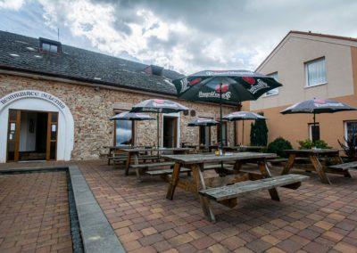 Restaurant & Penzion Jelenka restaurace a ubytování Janovice nad úhlavou Exterier (1)