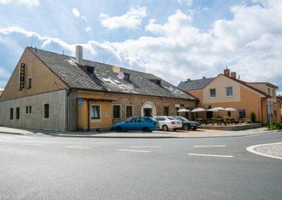 Restaurant & Penzion Jelenka restaurace a ubytování Janovice nad úhlavou Exterier (3)