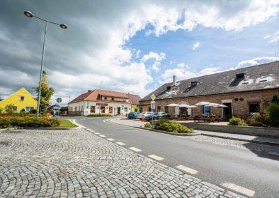 Restaurant & Penzion Jelenka restaurace a ubytování Janovice nad úhlavou Exterier (4)