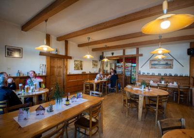 Restaurant & Penzion Jelenka restaurace a ubytování Janovice nad úhlavou Interier (17)